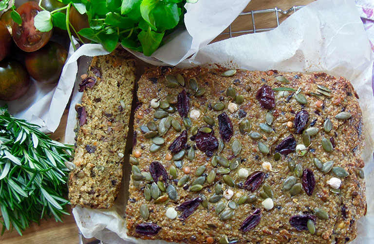 http://www.foodthinkers.com.au/images/easyblog_shared/Recipes/Quinoa-Olive-Loaf.jpg
