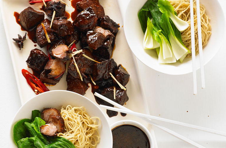 http://www.foodthinkers.com.au/images/easyblog_shared/Recipes/Red-braised-pork-with-egg-noodles-768-x-503.jpg