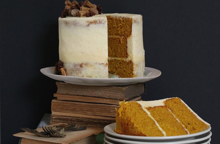 http://www.foodthinkers.com.au/images/easyblog_shared/Recipes/Spiced_Pumpkin_Cake_Cut_Landscape.jpg