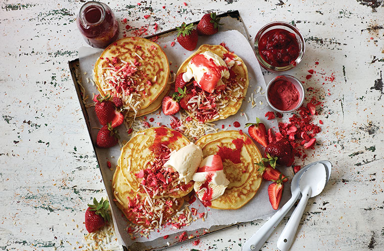http://www.foodthinkers.com.au/images/easyblog_shared/Recipes/Strawberry-Toasted-coconut-pancakes.jpg