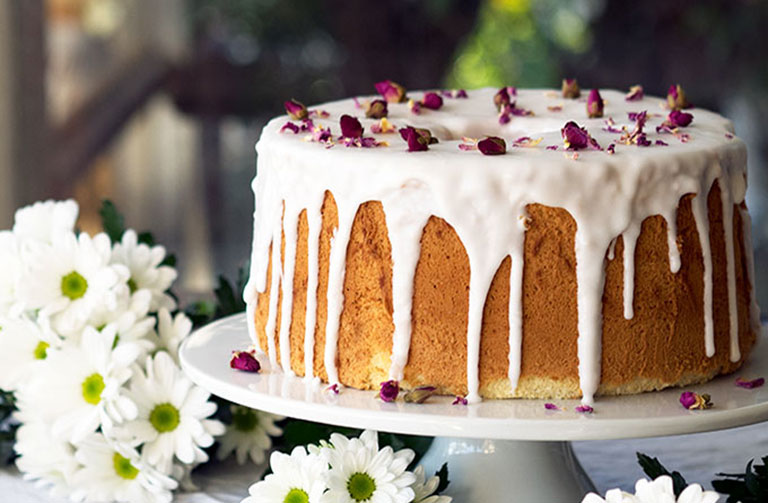 http://www.foodthinkers.com.au/images/easyblog_shared/Recipes/Vanilla-Rose-Chiffon-Cake.jpg