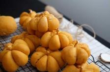 http://www.foodthinkers.com.au/images/easyblog_shared/Recipes/b2ap3_thumbnail_Andres-Fatso---BakedbyAndres---cinnamon-pumpkin-buns-.jpg