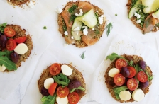 http://www.foodthinkers.com.au/images/easyblog_shared/Recipes/b2ap3_thumbnail_LOV560-Mini-cauliflower-pizzas.jpg