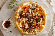 http://www.foodthinkers.com.au/images/easyblog_shared/Recipes/b2ap3_thumbnail_sweet-potato-spanish-onion-and-goats-cheese-pizza.jpg