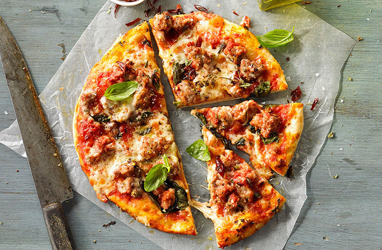 http://www.foodthinkers.com.au/images/easyblog_shared/Recipes/italian-pork-and-fennel-sausage-pizza.jpg