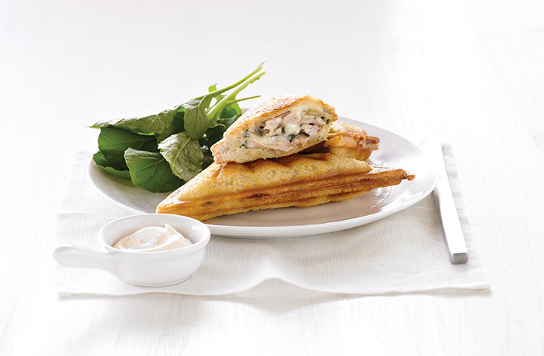 http://www.foodthinkers.com.au/images/easyblog_shared/Recipes/jaffle-chicken-basil-and-almond.jpg