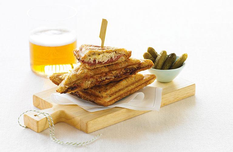 http://www.foodthinkers.com.au/images/easyblog_shared/Recipes/jaffle-reuben-and-cornichons.jpg