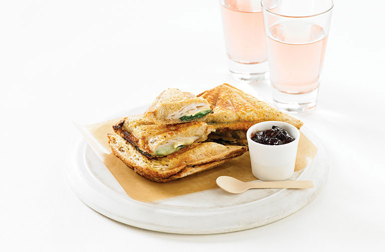 http://www.foodthinkers.com.au/images/easyblog_shared/Recipes/jaffle-turkey-brie-and-cranberry.jpg