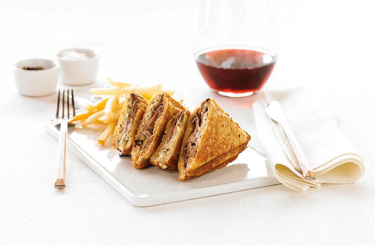 http://www.foodthinkers.com.au/images/easyblog_shared/Recipes/jaffle-wagyu-roast-beef-radicchio-and-creme-fraiche.jpg