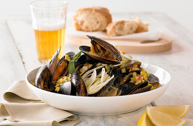 http://www.foodthinkers.com.au/images/easyblog_shared/Recipes/microwave-mussels-marineres.jpg
