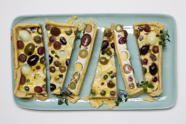 http://www.foodthinkers.com.au/images/easyblog_shared/Recipes/olive-and-quail-egg-tart.jpg