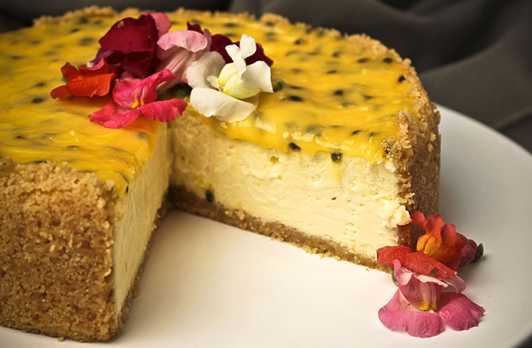 http://www.foodthinkers.com.au/images/easyblog_shared/Recipes/passionfruit-cheesecake.jpg