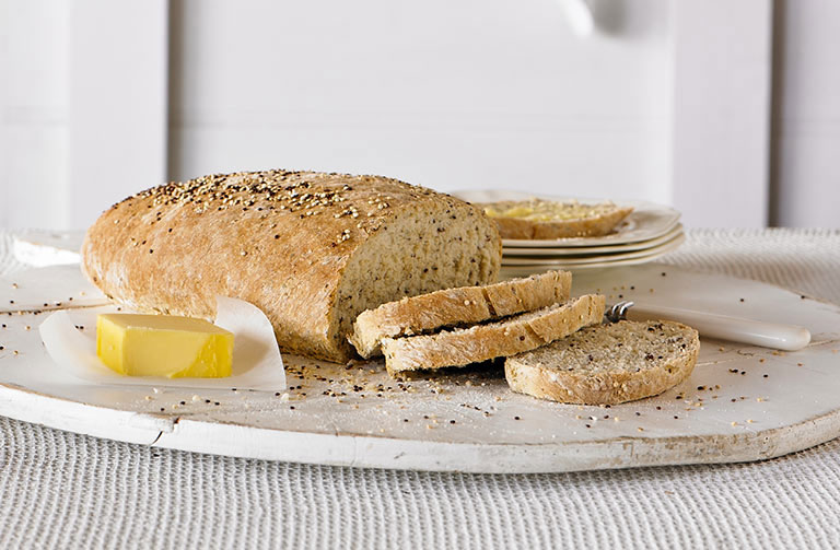 http://www.foodthinkers.com.au/images/easyblog_shared/Recipes/quinoa-linseed-and-chia-bread.jpg