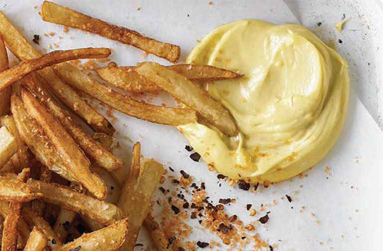 http://www.foodthinkers.com.au/images/easyblog_shared/Recipes/smoked_roasted_garlic_aioli.jpg