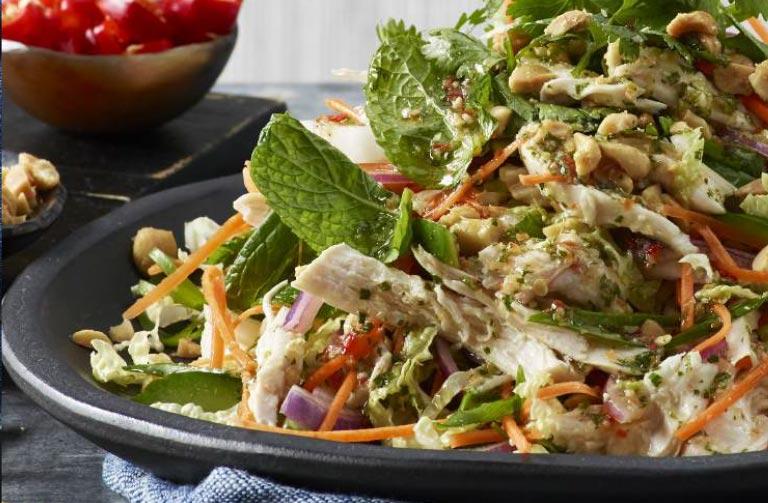 http://www.foodthinkers.com.au/images/easyblog_shared/Recipes/steamed-chicken-salad.jpg