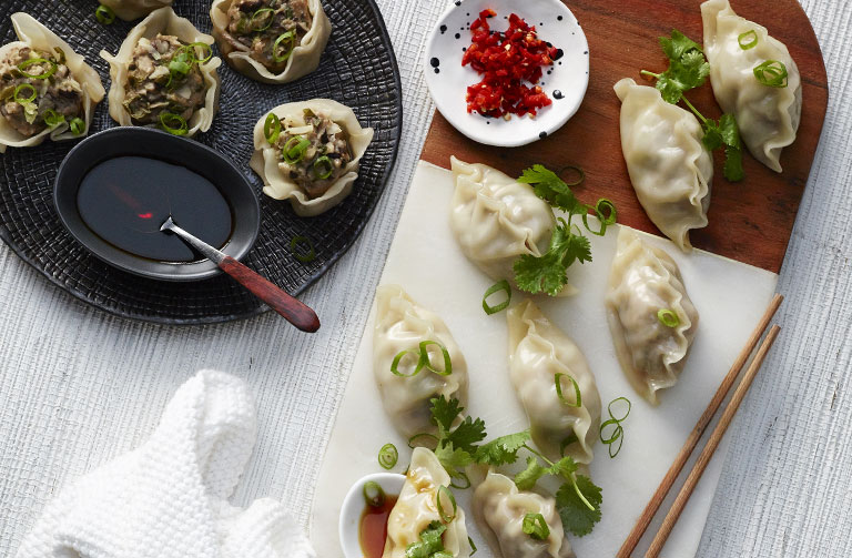 http://www.foodthinkers.com.au/images/easyblog_shared/Recipes/steamed-pork-and-shiitake-mushroom-dumplings.jpg
