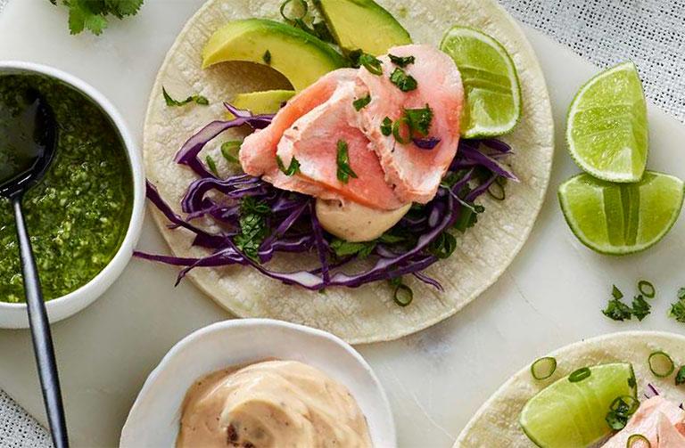http://www.foodthinkers.com.au/images/easyblog_shared/Recipes/steamed_salmon_tacos.jpg