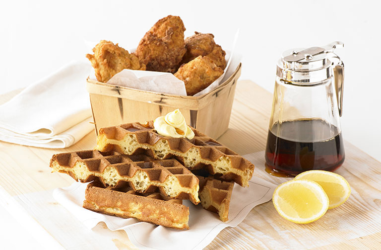 http://www.foodthinkers.com.au/images/easyblog_shared/Recipes/waffle-southern-fried-chicken-with-maple-syrup.jpg